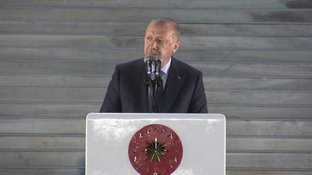 Erdoğan: ''Başarı için her yolu mübah görenleri...''