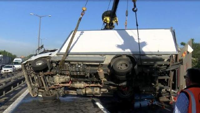 TEM'de trafiği felç eden kaza