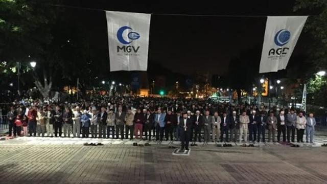 Ayasofya Meydanı'nda ''Fetih Namazı'' etkinliği