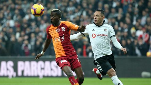 Fenerbahçe'nin Adriano ile transfer görüşmesi yaptığı iddia edildi
