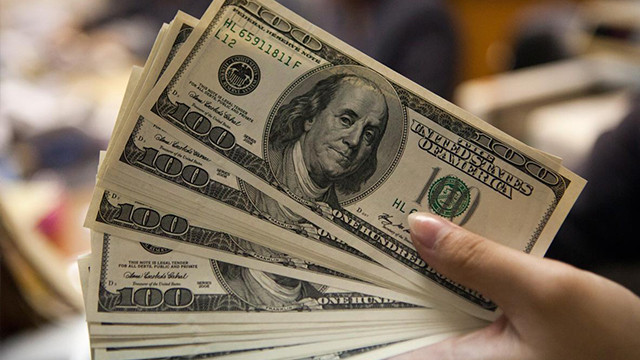 Rusya dolar rezervini yüzde 23 azalttı