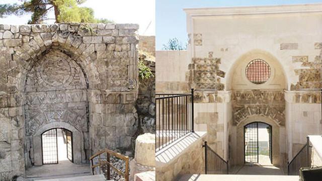 Restorasyon yapılan tarihi kapı tanınmaz halde