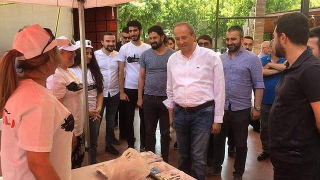 CHP'den ''Avcılar'da ayakkabısız çocuk kalmayacak'' kampanyası