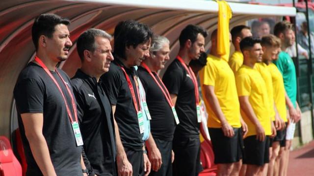İstanbulspor Fırat Gül'ün sözleşmesini 1 yıl uzattı