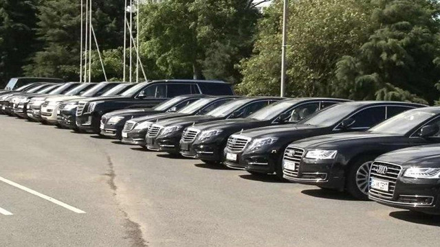 Bedelli parası ile lüks araç saltanatı iddiası