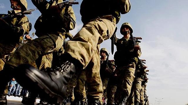 Yeni askerlik sistemindeki Suriyeli maddesi ortalığı karıştırdı