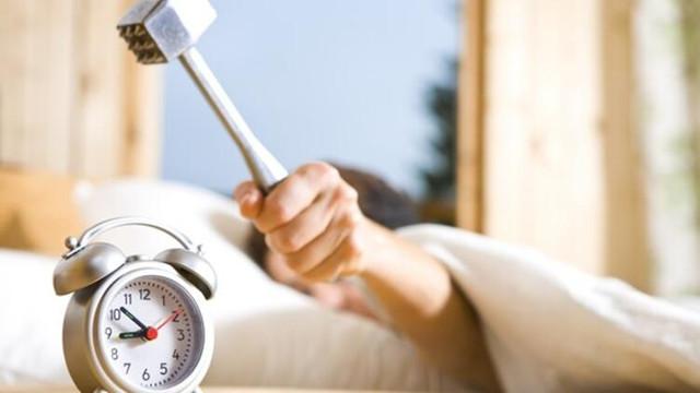 Uzmanlardan kritik uyarı: Sabah çalan alarmı sakın ertelemeyin!