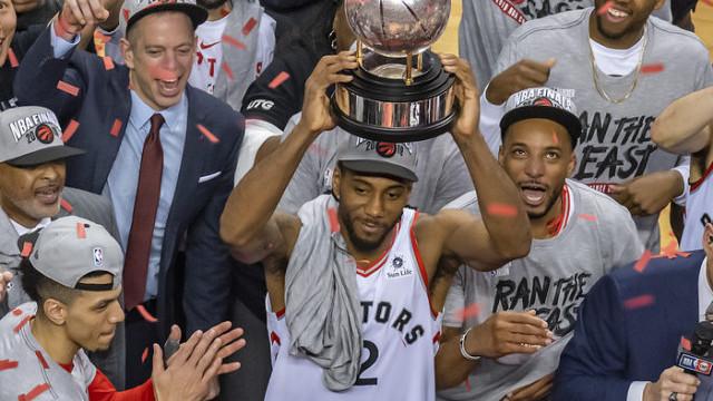 Kawhi Leonard, Toronto Raptors'ta kendini buldu