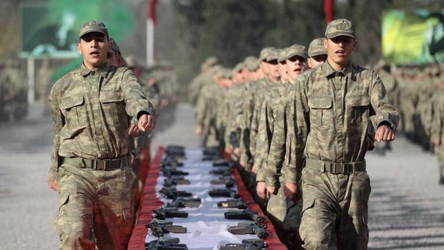 Askerlik süresini 6 aya indiren teklif kabul edildi