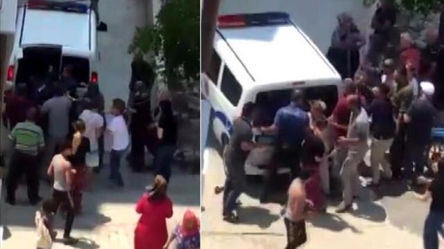 Tecavüz iddiası mahalleyi karıştırdı ! Linçten polis kurtardı