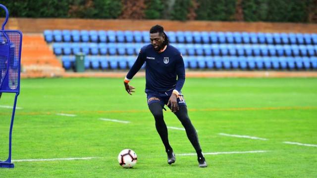 Medipol Başakşehir Emmanuel Adebayor ile yollarını ayırdı