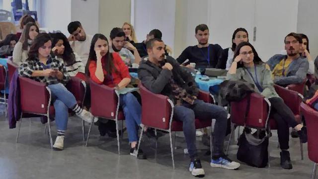 İşte Türk gençliği: Diplomalı, işsiz ve borçlu !