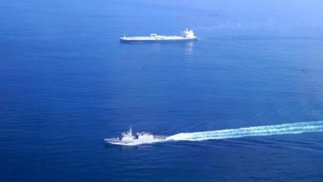 Körfez karışıyor ! O ülke de savaş gemisi yolladı !