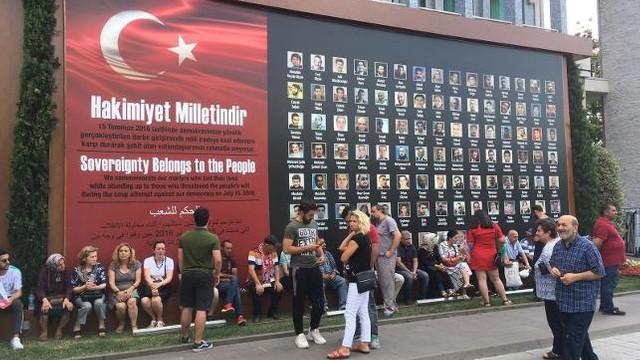 Vatandaşlar Saraçhane'de İmamoğlu'nu bekliyor