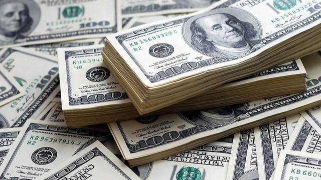 Parası olan dolara koştu! Dolar hesaplarında tarihi rekor !