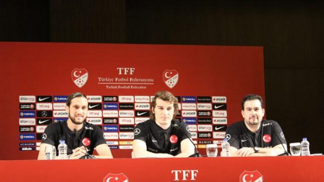 Yusuf Yazıcı ve Çağlar Söyüncü Fransa maçı öncesi basın toplantısı düzenledi