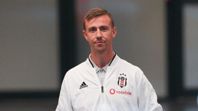 Beşiktaş'ın yardımcı hocası Guti, Almeria yolunda