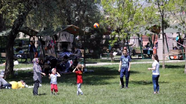 Ankaralılar Ramazan'da Yakacık'a akın etti