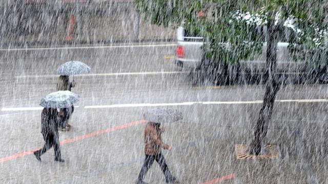 Dikkat ! Meteoroloji'den hem dolu hem sağanak uyarısı
