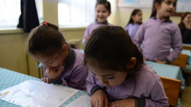 Yaz tatilinin yarısı bitti! Peki okullar ne zaman açılacak ?
