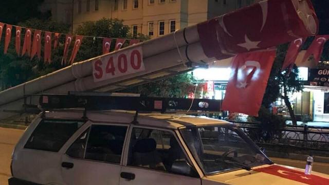 S-400 maketiyle Bursa sokaklarında turladı
