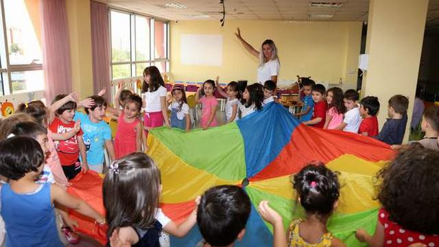 Yenimahalle'de çocuklar müzik terapisi ile güne başlıyor