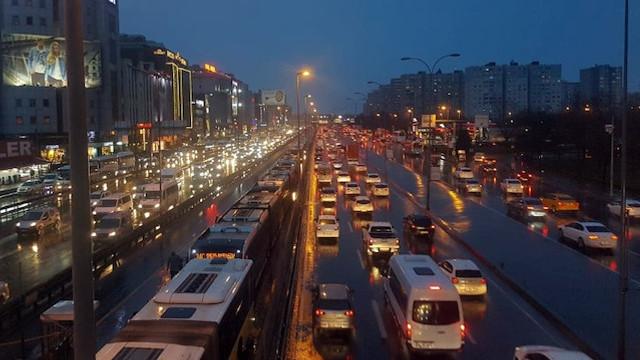 İstanbul trafiğinin günlük bedeli 60,5 TL!