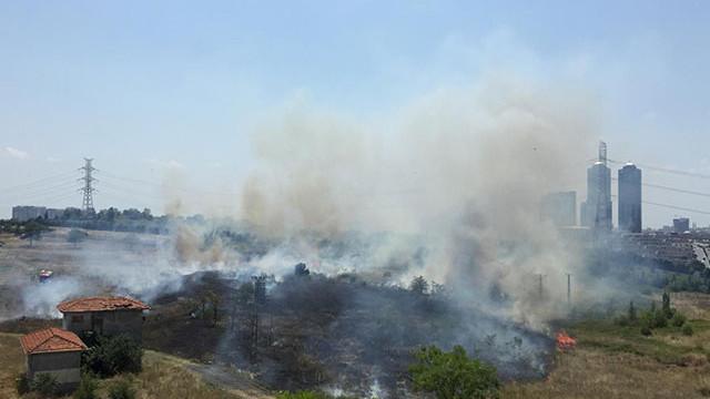 Metris Cezaevi yanında askeri alanda yangın !