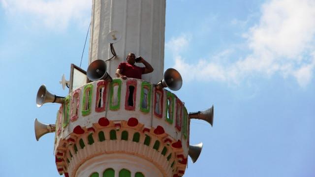 2019'un Türkiye'sinde telefonla görüşmek için minareye çıkıyorlar