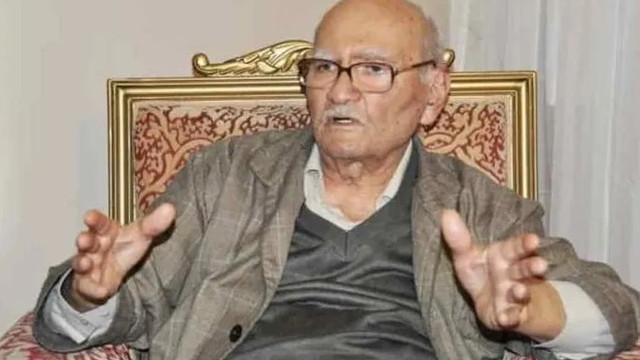 Eski Bakan Süleyman Arif Emre hayatını kaybetti