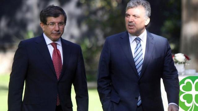 Davutoğlu ve Gül'den dikkat çeken görüntü
