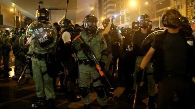 Çin'den ''Hong Kong'a girebiliriz'' iması