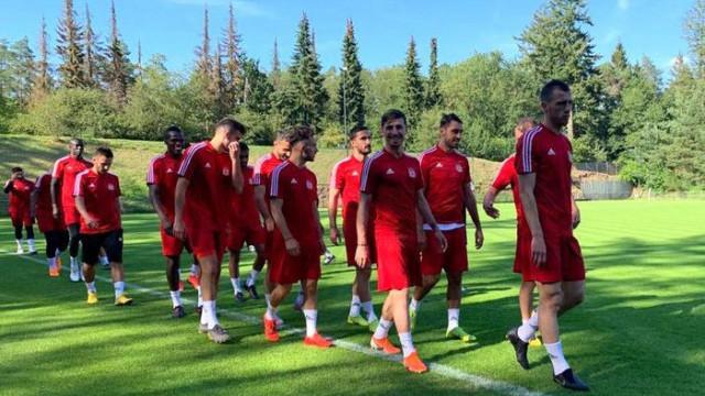 Demir Grup Sivasspor 4 futbolcuyu denemeye aldı