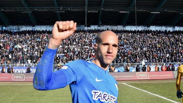 Büyükşehir Belediye Erzurumspor Gabriel Obertan'ın sözleşmesini uzattı