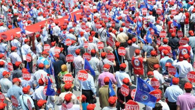 Türkiye'de her 10 işçiden 9'u sendikasız