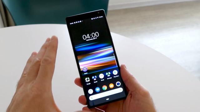 Sony'den katlanabilir telefon geliyor