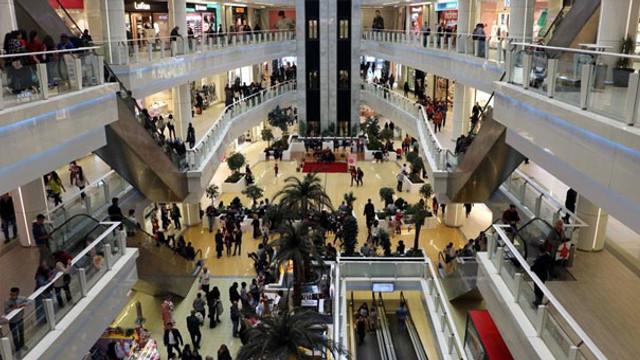 AVM'lerde ''internet'' krizi: ''İnternetten satış bizi bitiriyor''