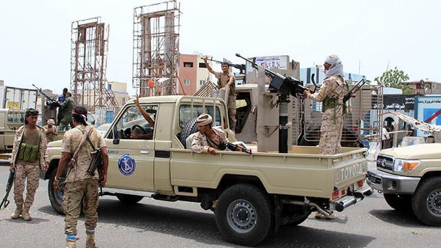 Aden'de cumhurbaşkanlığı sarayı yakınlarında çatışma