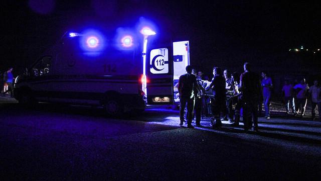 Kütahya'da otomobil yayalara çarptı: Ölü ve yaralılar var