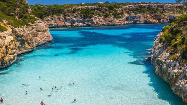 Türk turistler Yunan adasında mahsur kaldı