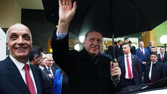 ''Türk-İş Başkanı pazarlığı Saray'da yapmış''