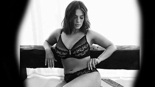 Ünlü büyük model Ashaly Graham hamile