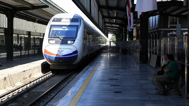 Kurban etleri TCDD'nin trenlerine giremedi !