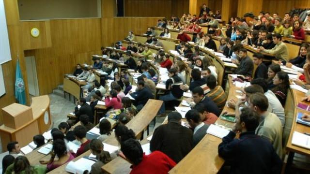 Üniversitelerde akademisyen yok ! Şoke eden rakamlar...