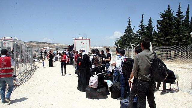 Tatil için memleketine giden Suriyeliler sınır dışı edilecek