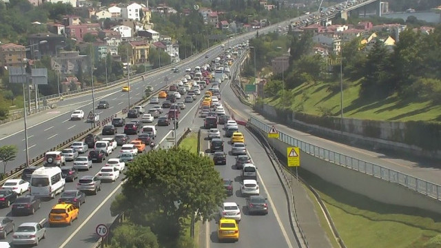 15 Temmuz Şehitler Köprüsü'nde trafiği kilitleyen kaza