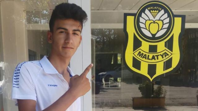 Yeni Malatyaspor, 15 yaşındaki Emirhan Öz'ü transfer etti