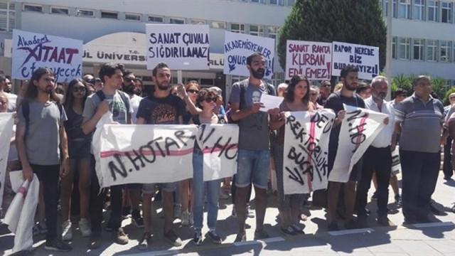 Dokuz Eylül Üniversitesi'nde ''Fakülteme Dokunma'' nöbeti