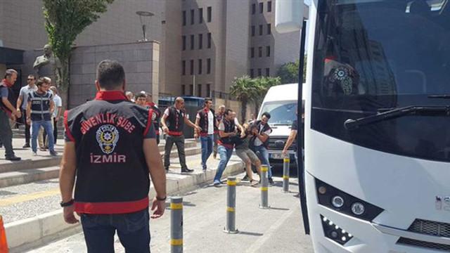 İzmir'de 26 avukata kayyum gözaltısı