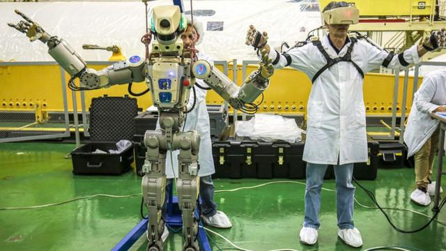 Rusya'nın insansı robotu göreve başladı